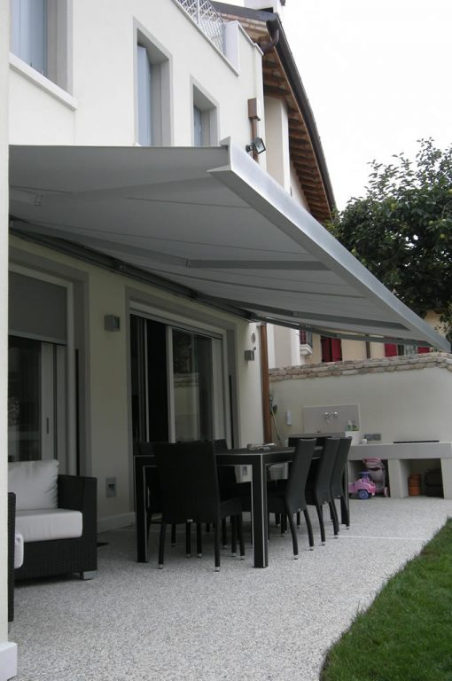 folding-arm-awning-closed-cassette-1